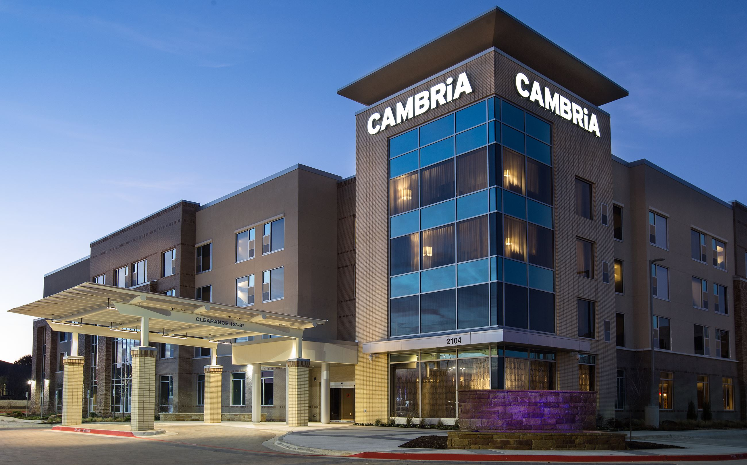 Experience Contemporary Comforts While Feeling At Home In Southlake The Cambria Dfw North This Hotel Channels Local Charm